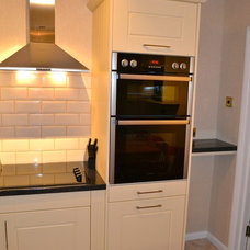 Traditional Kitchen by Thinkdoors Ltd