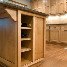 Kitchen by Country Cabinets