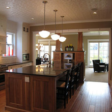 Farmhouse Kitchen by New Urban Home Builders