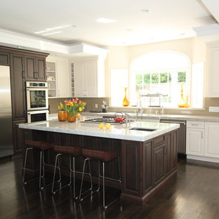 Example of a classic kitchen design in San Francisco with stainless steel appliances