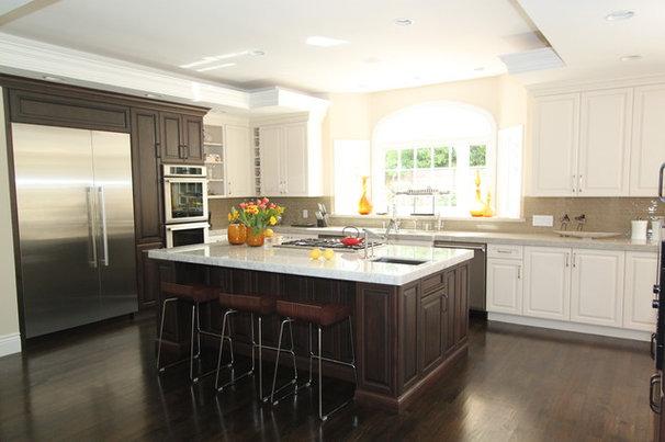 Traditional Kitchen by Nina sobiNina Design