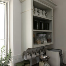 Traditional Kitchen by Noa Fried
