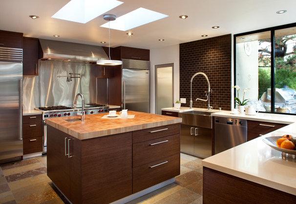 Contemporary Kitchen by Ohashi Design Studio