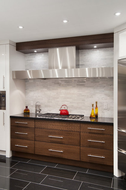 Contemporary Kitchen by Old World Kitchens & Custom Cabinets