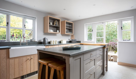 What's Popular for Kitchen Islands in Remodeled Kitchens