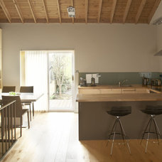 Modern Kitchen by Optimise Design