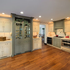 Traditional Kitchen by Carriage Barn Custom Builders
