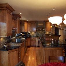 Modern Kitchen by P&M Renovations