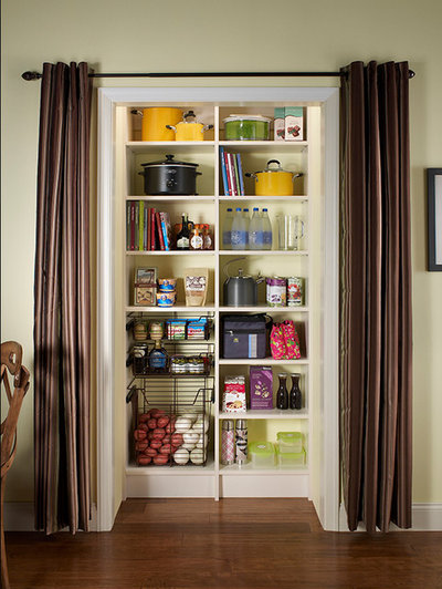 Kitchen by The Closet People