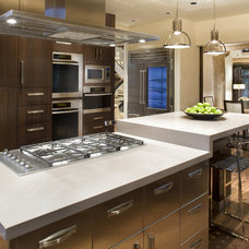 Contemporary Kitchen by Paxton Lockwood