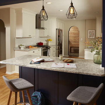 Kitchen Peninsula built using Navy Blue Cabinets