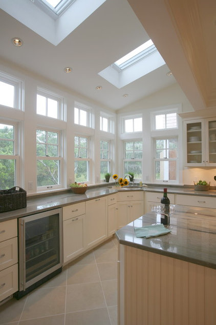 Traditional Kitchen by Peter McDonald Architect