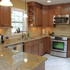 Traditional Kitchen by Blue Ribbon Residential Construction, Inc.