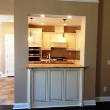 Traditional Kitchen by Kitchens By Woody's