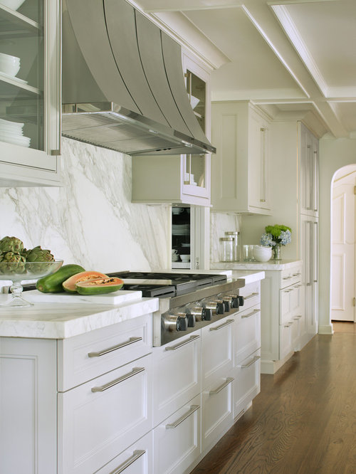 white kitchen marble backsplash