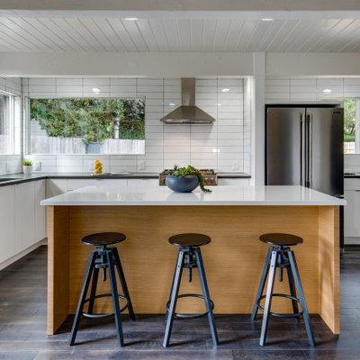 Kitchen - 1950s kitchen idea in Portland