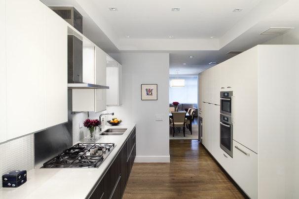 Modern Kitchen by Prestige Custom Building & Construction, Inc.