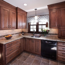 Traditional Kitchen by AB & K Bath and Kitchen