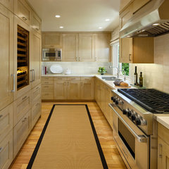 contemporary kitchen by Projects by Giffin & Crane