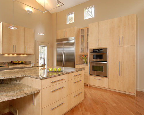 Natural Maple Cabinets | Houzz on Light Maple Cabinets With White Countertops  id=46677