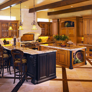 オーランドの大きいヴィクトリアン調のおしゃれなキッチン (ドロップインシンク、インセット扉のキャビネット、濃色木目調キャビネット、御影石カウンター、白いキッチンパネル、シルバーの調理設備の、濃色無垢フローリング) の写真