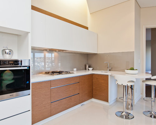 petite cuisine contemporaine photos et id es d co de cuisines. Black Bedroom Furniture Sets. Home Design Ideas