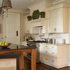Traditional Kitchen by Rariden Schumacher Mio & Co.