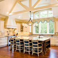 Traditional Kitchen by Red Element Design Studio