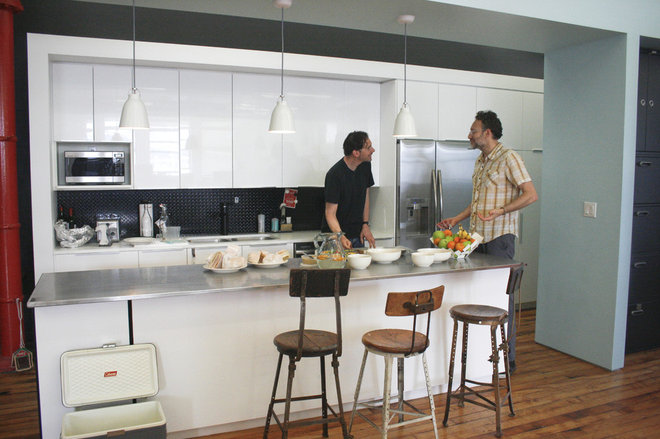 Modern Kitchen by red.