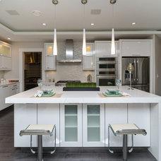Modern Kitchen by Redrose Woodworking & Design Ltd.