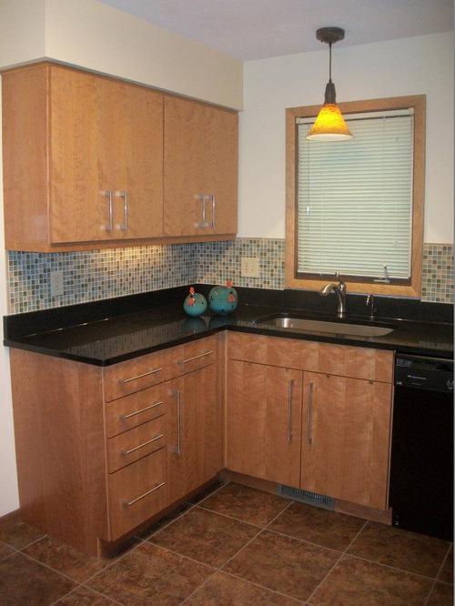 Kitchen Refacing Remodel, Brecksville, OH ~ Quartz Countertop