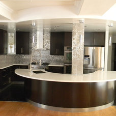 Modern Kitchen by 24 Design Construction