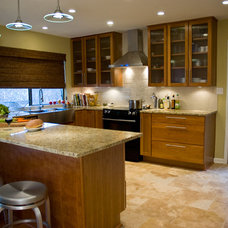 Contemporary Kitchen by Adentro Designs
