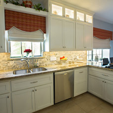 Transitional Kitchen by artVIA l lifestyle design crossroads