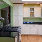 Smooth Transition - Traditional - Kitchen - Chicago - by ...