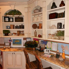 Traditional Kitchen by Bella Cosa Home Designs, LLC