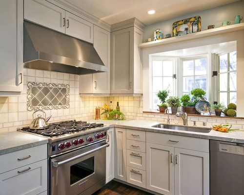 Bay windows kitchen sink houzz for House plans with kitchen sink window