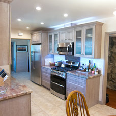 Traditional Kitchen by DLN Construction