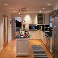 Transitional Kitchen by CARNEMARK