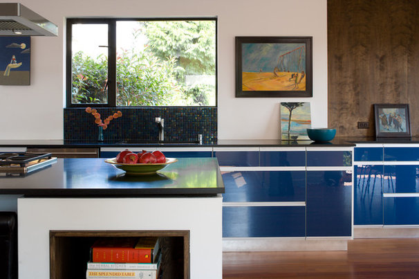 Contemporary Kitchen by Floisand Studio