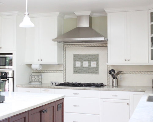 Example Of A Classic Kitchen Design In San Francisco With An Undermount Sink Recessed