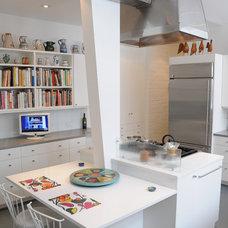 Contemporary Kitchen by Pine Street Carpenters & The Kitchen Studio