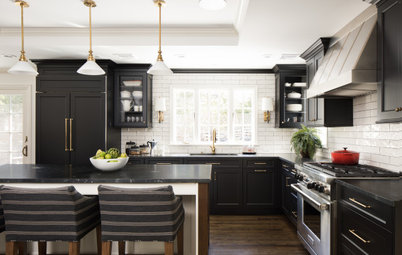 New This Week: 4 Kitchens With Dramatic Black Cabinets