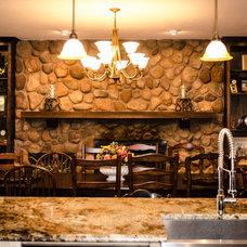 Traditional Kitchen by Kitty Raulston-Thomas Interior Designs