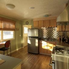 Modern Kitchen by Peregrine Design Build