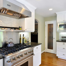 Traditional Kitchen by PREFERRED HOME BUILDERS INC