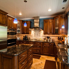 Traditional Kitchen by RADCON Builders