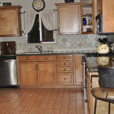 Traditional Kitchen by Los Angeles Remodeling and Construction