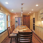 Out with The Old Kitchen - Traditional - Kitchen - Los Angeles - by Suzie Parkinson SÜZA DESIGN