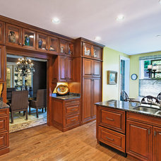 Traditional Kitchen by Evolo Design